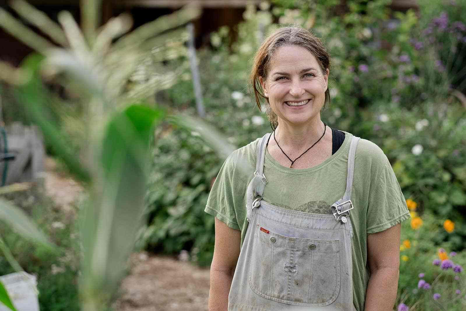 Kath-Irvines-Edible-Backyard-NZ-Growing-Food-Gardeners.jpg